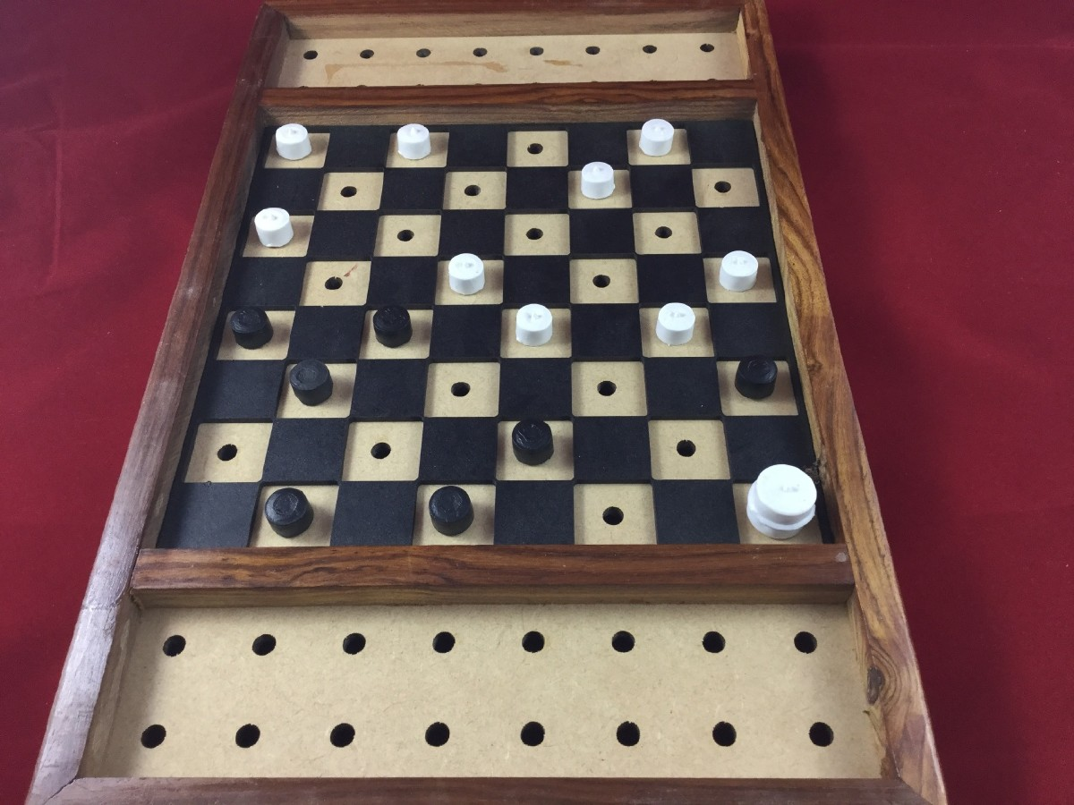 Picture picture of our Checkers Set, Classic